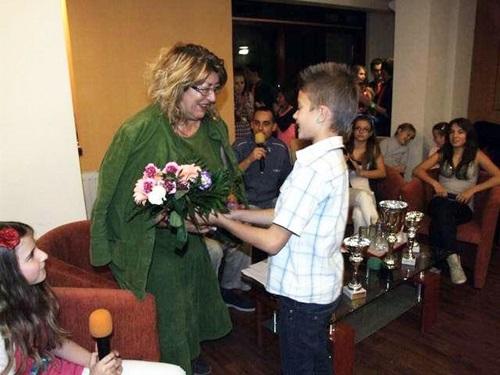 dr. Szondi Ildikó - Talent Tehetségkutató Énekstúdió