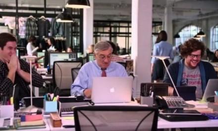 A kezdő – The Intern – Robert de Niro és Anne Hathaway filmje