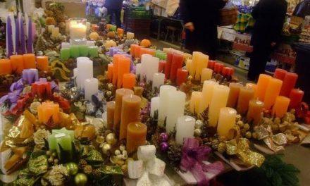 Adventi vásár a kecskeméti Piaccsarnokban
