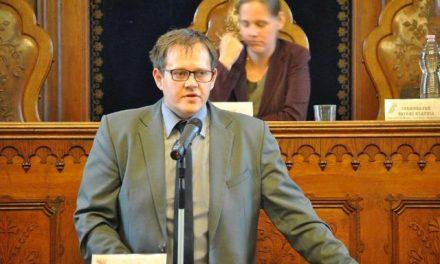 Hajagos Csaba történész-muzeológus Kecskemétért dolgozik