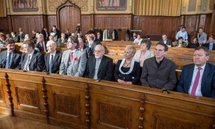 Kecskemét márciusi közgyűlésének döntései – Sajtóreggeli