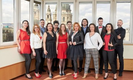 Fővárosi tereken ad koncerteket hétvégén a Budapest Voices