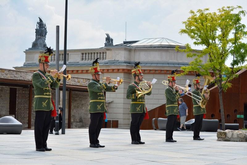 Zenélő Budapest – Szabadtéri minikoncertek a város 13 legszebb pontján