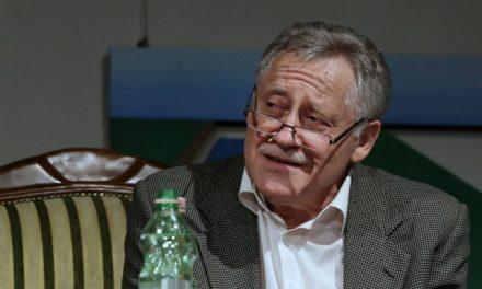 Koltai Róbert most Karinthy Frigyesként lép fel Szegeden