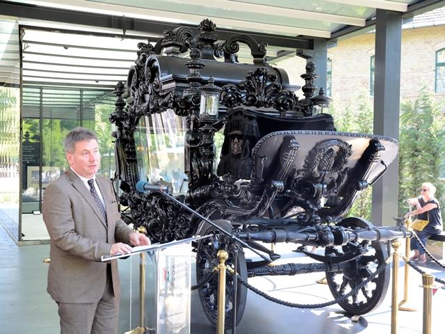 Megtekinthető a Közlekedési Múzeum Apponyi-hintója a Fiumei úti Sírkertben