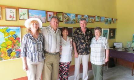 Bogya Rózsa és Kürti Anni szigethalmi gobelinvarrók
