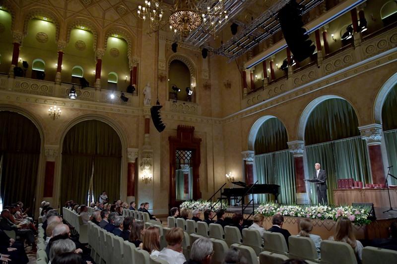 Balog Zoltán díjakat adott át Semmelweis-nap alkalmából