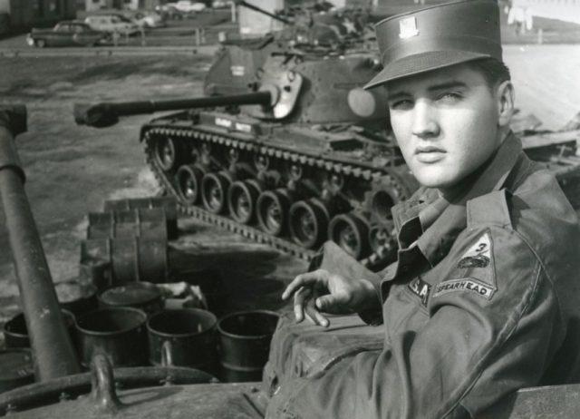 41 éve hunyt el Elvis Presley – A magyar rajongók is megemlékeztek a Királyról