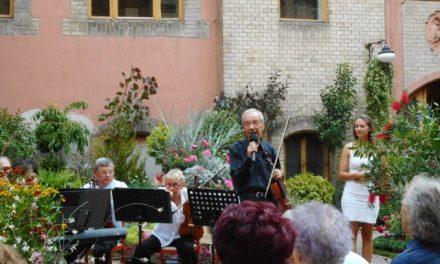 A  Lakó Sándor Kamarazenekar koncertje a virágkiállításon