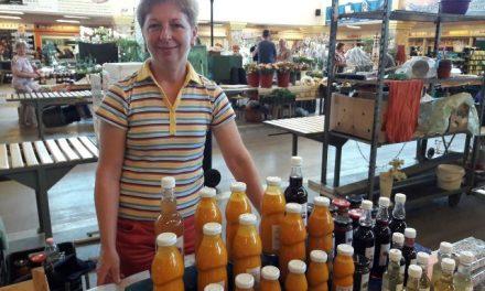 A homoktövis, a fürjtojás és Börönténé Molnár Melinda a kecskeméti piacon