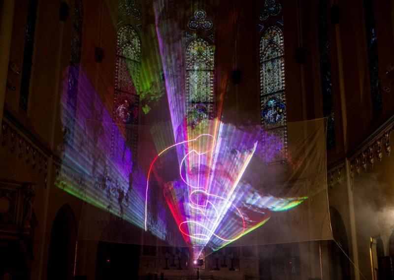 Adventi templomi lézerfény koncert – ismét Budapesten a Fényszínház előadása