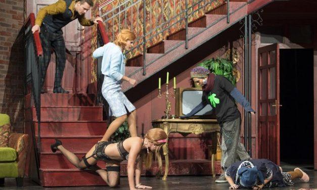 Függöny fel! – Komédia a kecskeméti színházban