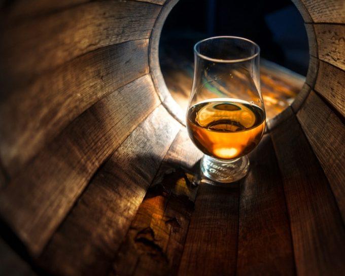 Amit mindig tudni akartál a whiskyről – 10 érdekesség a skót aranyról