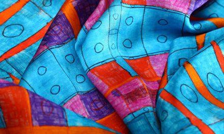 Terápia és forrásteremtés  – Autista fiatalok rajzaiból dizájntermékek születnek