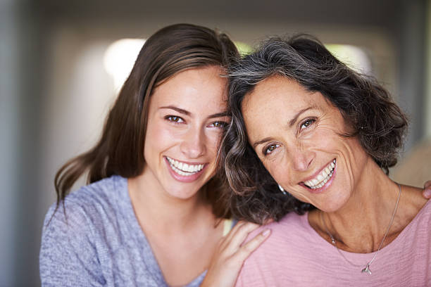 Vidd el anyát színházba! – Anya-lánya színházi programra invitál a Hohes C