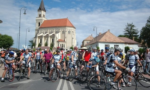 12. Móri Karika jótékonysági kerékpártúra