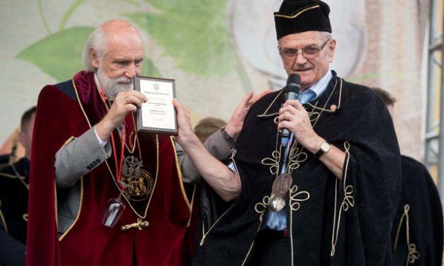 Magyar Borért elnevezésű díjat kapott Kolozsi R. Gyula