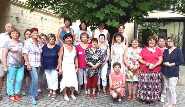 Diplomás nagyszülők a CédrusNet keretében – Ők az első gólyák