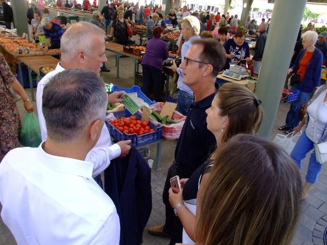 Dornbirni vendégek látogatása a piacon
