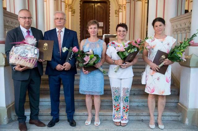 Elismerő díjakat adtak át a kecskeméti Városházán