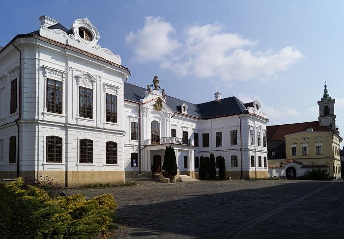 A veszprémi érseki palota kitárja kapuit a világ felé