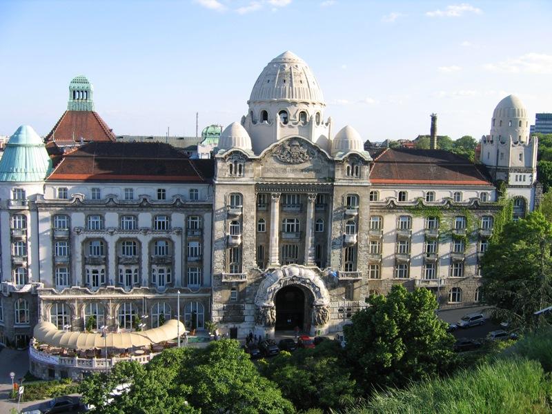 1918-ban Szent Gellért napján nyílt meg a Gellért Hotel