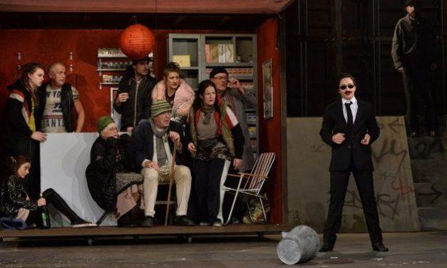 Jóembert keresünk Miskolcon – Színházi bemutató