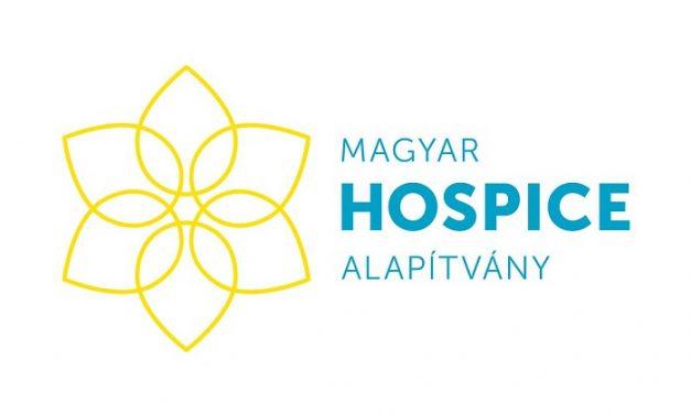 Hospice adománygyűjtő oszlop márciusban az Örkény Színházban