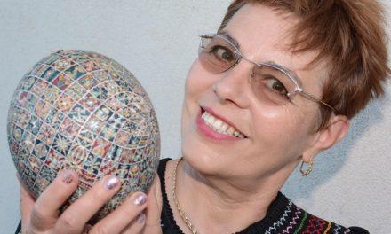 Beszélő tojást készített 2019 húsvétjára Zsigóné Kati