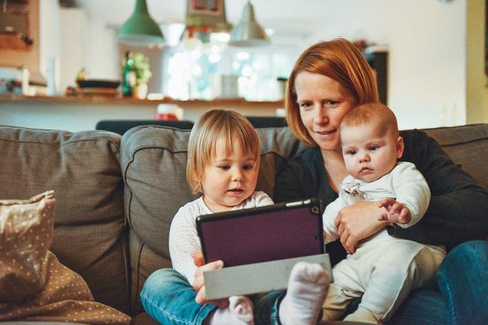 Mi vár a kisgyerekes anyukákra a munka világában a szülés után? – Segíthetnek a részmunkaidős lehetőségek