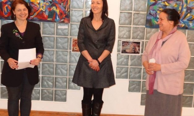 Szűcs Judit festőművész 3D-ben festi meg érzelmeit