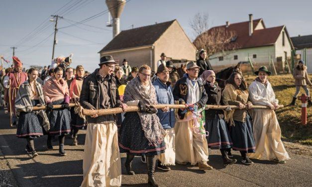 Törzsökhúzás, avagy a farsangi bolondesküvő