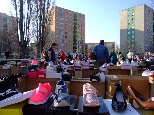 Óriási választék és nagy érdeklődés a széchenyivárosi vásárokban