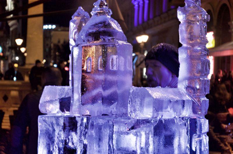 Jégszobor készül a Bazilikáról