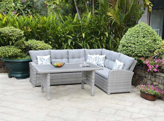Ezek a legmenőbb kerti bútor trendek idén