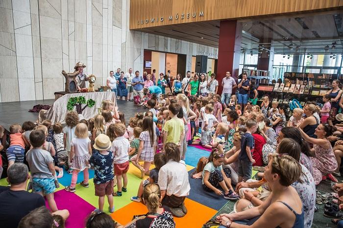 Koncerttel, mesével, sok játékkal és tánccal vár gyermeknapon a Müpa