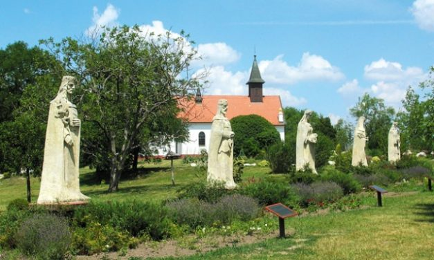 Szívtől szívig, lélektől lélekig – Zenés irodalmi műsor és koncert a kecskeméti Mária-kápolnában