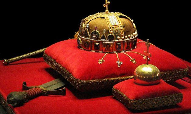A korona titkai – A Magyar Királyi Koronaőrök Egyesületének elnöke tart előadást Pécsett