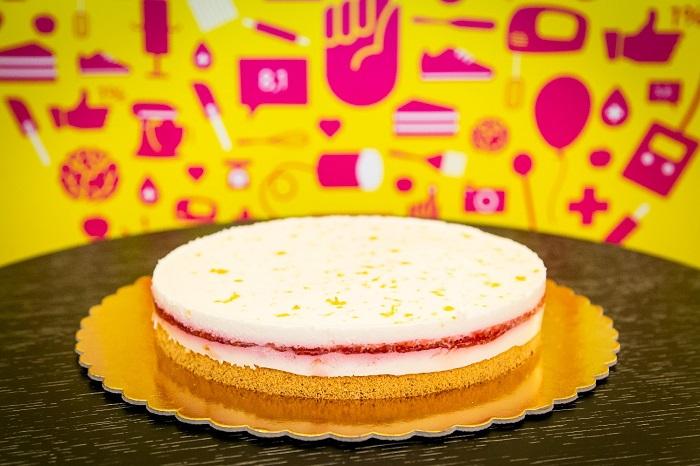 Bodzás-túrós lett az év gyógynövényes, cukormentes tortája