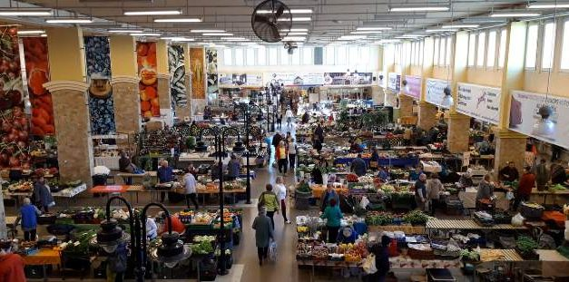 Október 23-án a belvárosi piaccsarnok nyitva tart