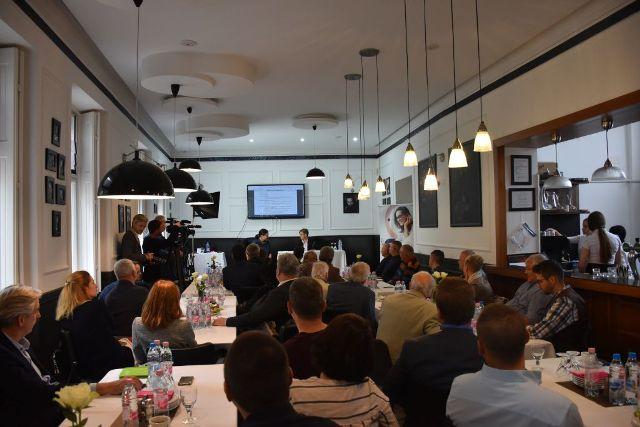 Vállalkozói üzleti reggeli az AIPA Kft. szervezésében