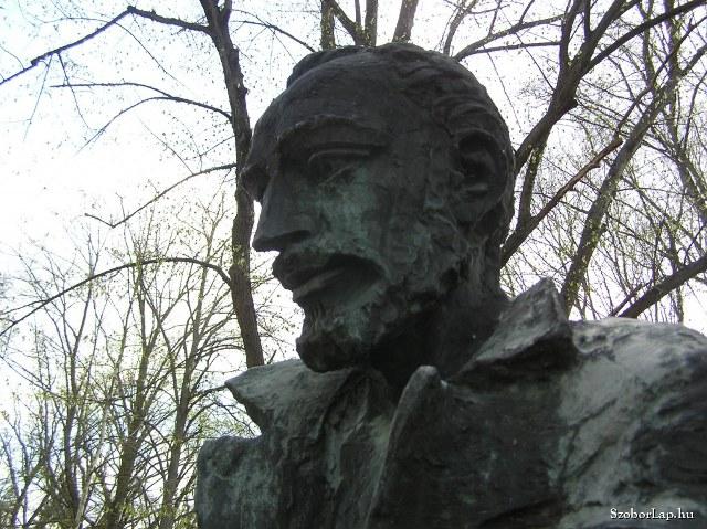 Komjáthy Jenő – Dús szívéből áradt a szép magyar beszéd…!