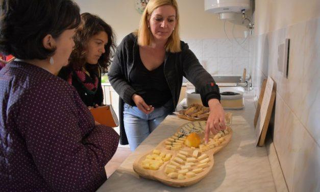 Lepés Bea egy reggel arra ébredt: sajtot fog készíteni