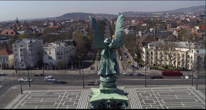Szívmelengető filmben várnak vissza minket Budapest üres terei – Budapest megvár!