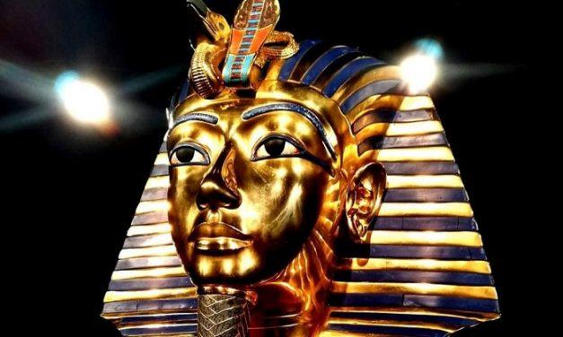 Tutanhamon halotti maszkjának titkai