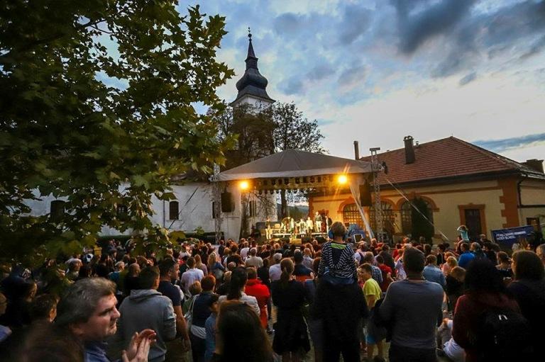 Kerekdomb Fesztivál – Bor és művészetek