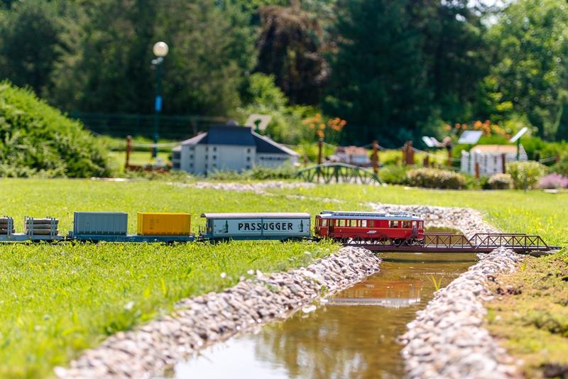 Mini Magyarország Makettpark – Rekordhosszú vonatok a Mini Mozdonyok Napján
