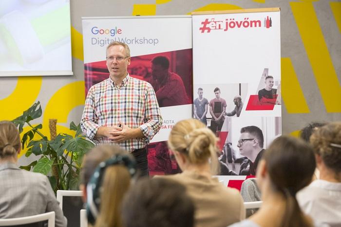 Munkakereső fiataloknak segít a Google és a Coca-Cola