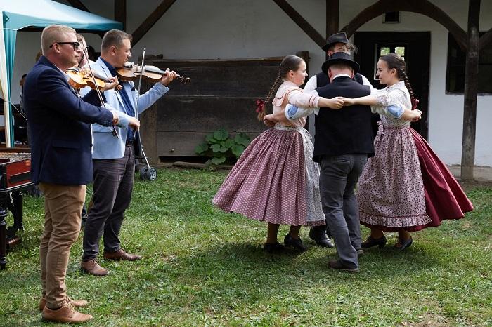 Szeptember elején tartják a VII. Kárpát-medencei Táncházzenészek Találkozóját