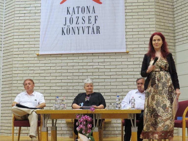 Hangulatos könyvbemutató a Híres magyar nőkről
